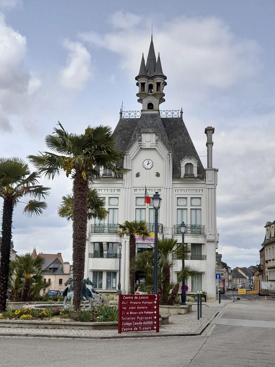 Mairie de Saint-MéenLe-Grand